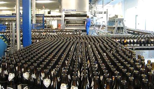 """比如,弗伦斯堡皮尔森啤酒宣称自己采用""""海岸大麦"""",而克龙巴赫啤酒则"""